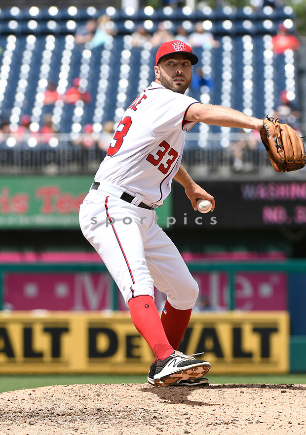 WASHINGTON DC - May 25, 2017: Matt Grace #33 of the Washington Nationals during a game against the Seattle Mariners on May 25, 2017 at Nationals Park in Washington DC. The Mariners beat the Nationals 4-2.(Chris Bernacchi/SportPics)