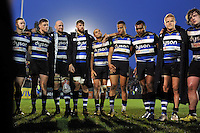 Bath Rugby players huddle together after the match. Aviva Premiership match, between Bath Rugby and Worcester Warriors on December 27, 2015 at the Recreation Ground in Bath, England. Photo by: Patrick Khachfe / Onside Images