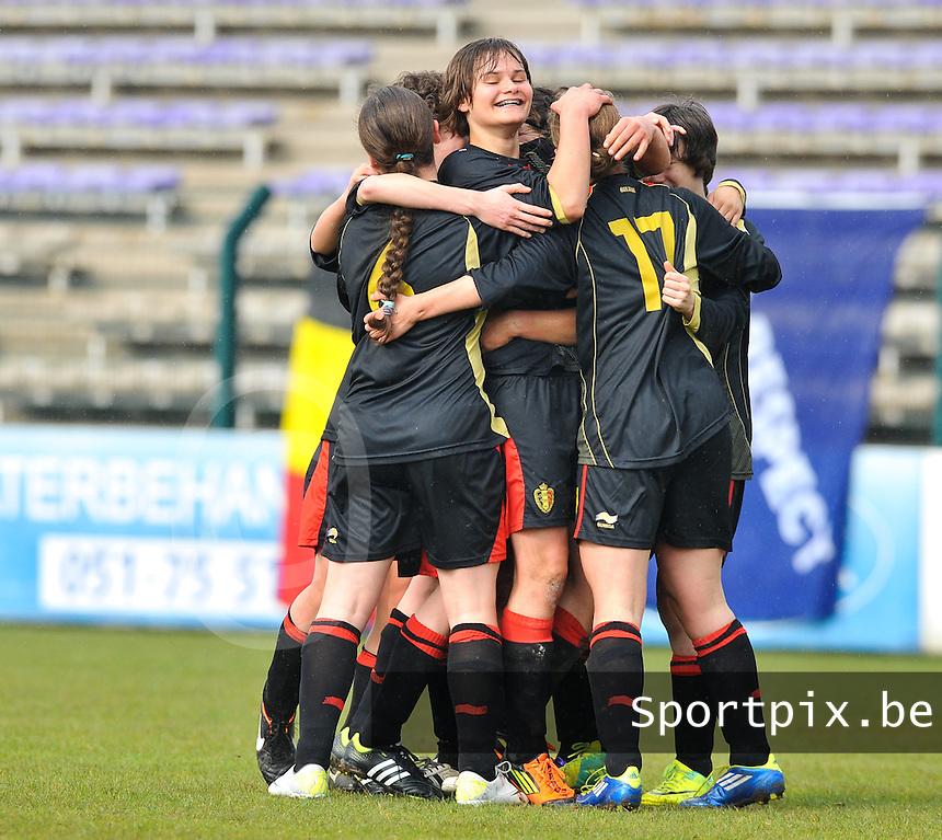 UEFA Women's Under 17 Championship - Second Qualifying round - group 1 : Switzerland - Belgium  : .Vreugde bij Lotte Aertsen en de belgen na de 3-1.foto DAVID CATRY / Vrouwenteam.be