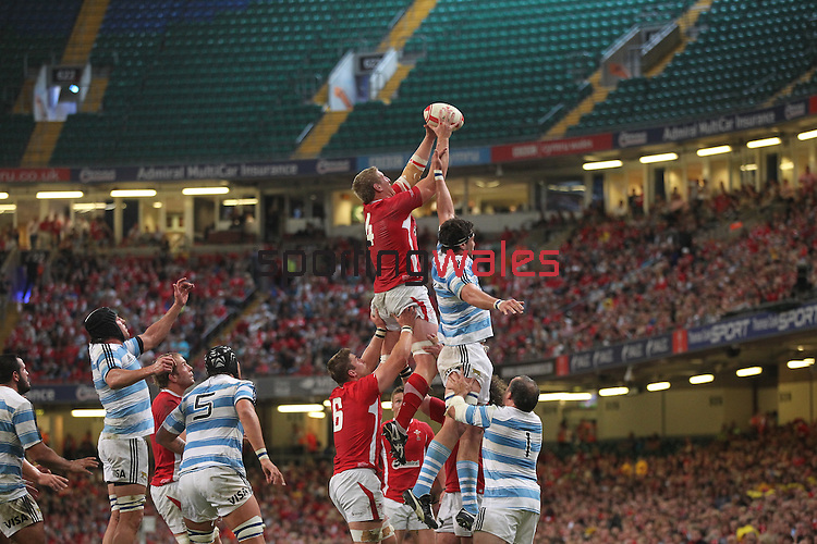 Bradley Davies takes the lineout ball..Rugby International..Wales v Argentina.Millennium Stadium.20.08.11.©Steve Pope
