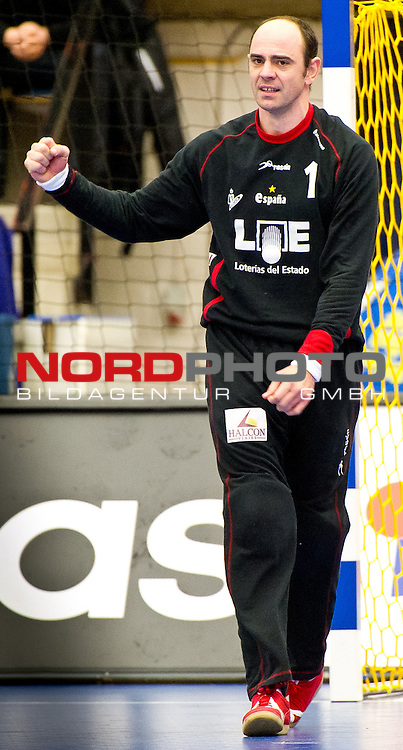 110122 Handboll, VM, Spanien - Norge: Jose Javier Hombrandos, mĆlvakt, Spanien.<br /> <br />  Foto &copy; nph / BildbyrĆn   56407