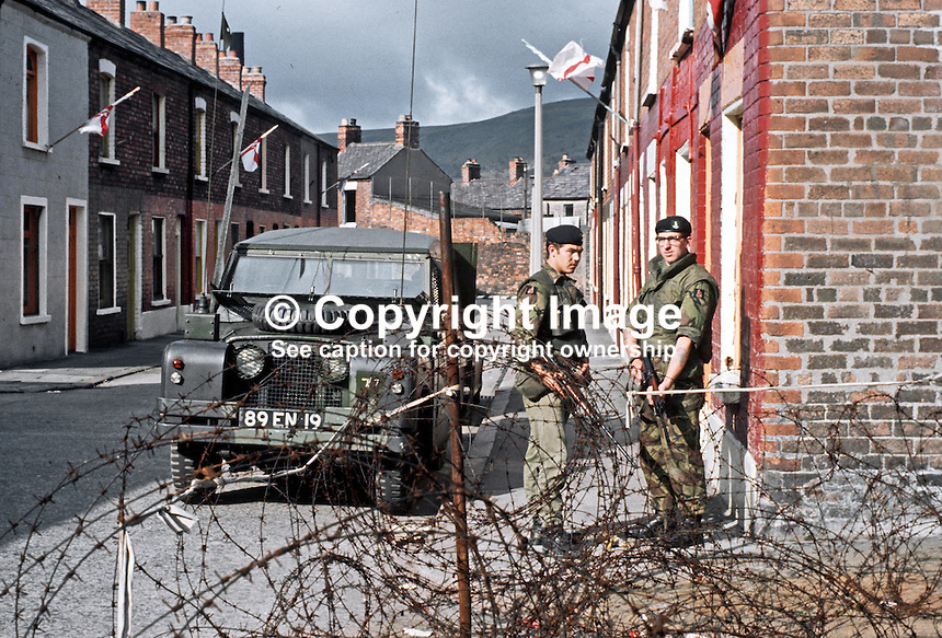 British soldiers on duty in a loyalist area on the Crumlin Road, Belfast, N Ireland, September, 1971, 197109000431g.<br /> <br /> Copyright Image from Victor Patterson,<br /> 54 Dorchester Park, Belfast, UK, BT9 6RJ<br /> <br /> t1: +44 28 90661296<br /> t2: +44 28 90022446<br /> m: +44 7802 353836<br /> <br /> e1: victorpatterson@me.com<br /> e2: victorpatterson@gmail.com<br /> <br /> For my Terms and Conditions of Use go to<br /> www.victorpatterson.com