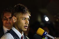 SAO PAULO, SP, 02 DE DEZEMBRO - PREMIO CRAQUE DO BRASILEIRÃO - O atacante Neymar, do Santos, durante. a cerimônia da Premiação Brasileirão 2012, na casa de shows HSBC Arena, na zona sul de São Paulo, nesta segunda-feira FOTO: VANESSA CARVALHO - BRAZIL PHOTO PRESS.