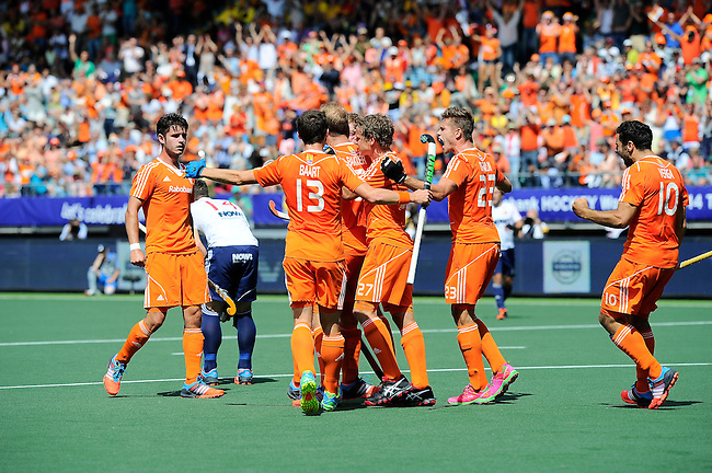 The Hague, Netherlands, June 13: Mink van der Weerden #30 of The Netherlands is congratulated by teammates after scoring the winning goal during the field hockey semi-final match (Men) between The Netherlands and England on June 13, 2014 during the World Cup 2014 at Kyocera Stadium in The Hague, Netherlands. Final score 1-0 (1-0)  (Photo by Dirk Markgraf / www.265-images.com) *** Local caption *** Robbert Kemperman #12 of The Netherlands, Sander Baart #13 of The Netherlands, Mink van der Weerden #30 of The Netherlands, Constantijn Jonker #27 of The Netherlands, Sander de Wijn #23 of The Netherlands, Valentin Verga #10 of The Netherlands