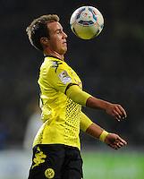 FUSSBALL   1. BUNDESLIGA   SAISON 2011/2012    9. SPIELTAG SV Werder Bremen - Borussia Dortmund                 14.10.2011 Mario GOETZE (Borussia Dortmund) Einzelaktion am Ball