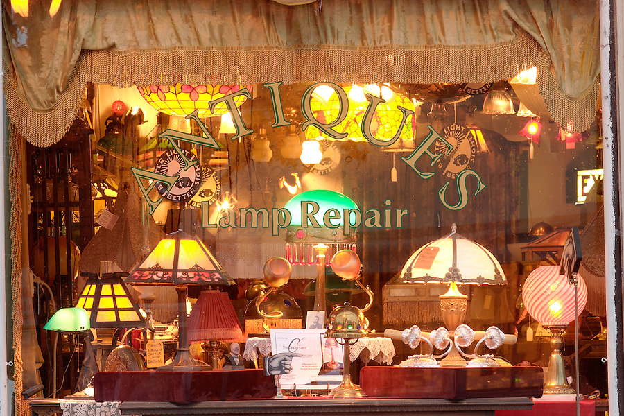 Antique and lamp repair storefront window display, Snohomish, Snohomish County, Washington, USA