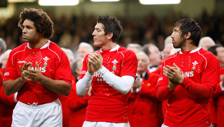 Photo: Richard Lane/Richard Lane Photography..Wales v South Africa. Prince William Cup. 24/11/2007. .Wales' Colin Charvis, James Hook and Gavin Henson.