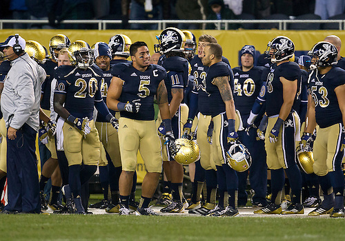 October 06, 2012:  Notre Dame inside linebacker Manti Te'o (5) and teammates celebrate during NCAA Football game action between the Notre Dame Fighting Irish and the Miami Hurricanes at Soldier Field in Chicago, Illinois.  Notre Dame defeated Miami 41-3.