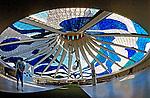 Vista interna da Catedral de Brasília. 2001. Foto de Juca Martins.