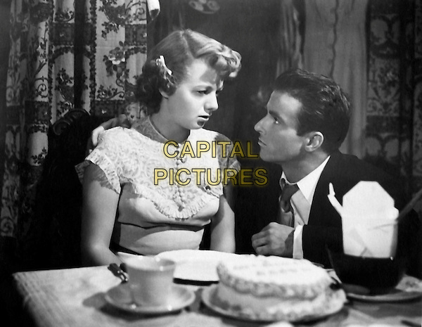 SHELLEY WINTERS & MONTGOMERY CLIFT.in A Place in the Sun (1951).*Filmstill - Editorial Use Only*.CAP/PLF.Supplied by Capital Pictures.