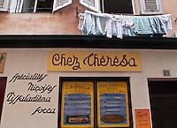 Europe/France/Provence-Alpes-Côte d'Azur/06/Alpes-Maritimes/Nice: L'atelier , boutique de  Chez Thérésa qui prépare le spécialités niçoises: Socca, Pissaladière