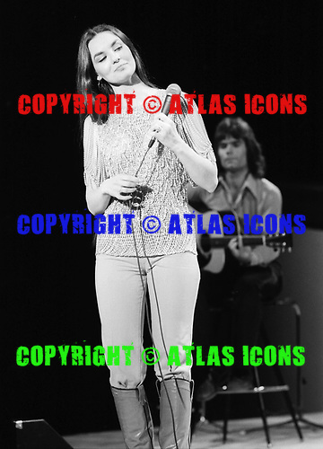 CRYSTAL GAYLE, LIVE 1978, NEIL ZLOZOWER