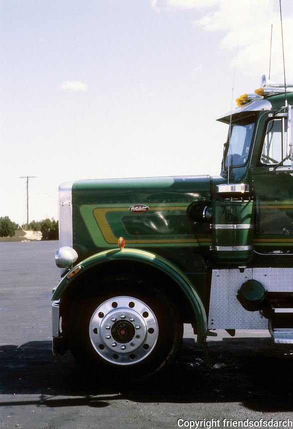 Trucks: Tucumcari, New Mexico Truckstop.  Photo '80.