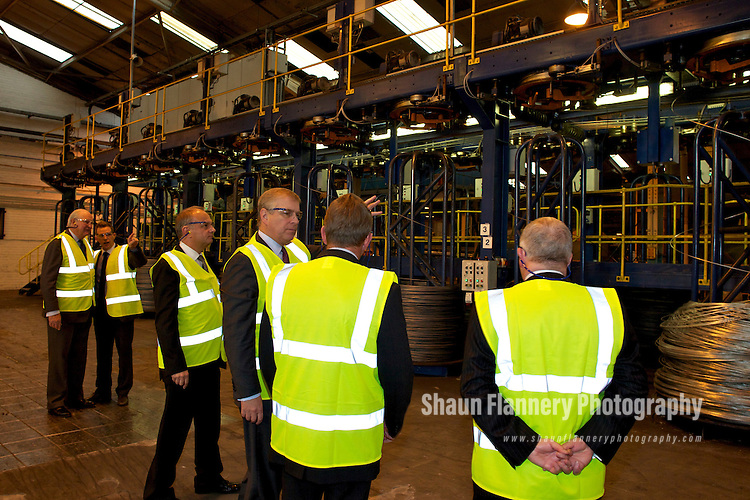 Pix: Shaun Flannery/shaunflanneryphotography.com...COPYRIGHT PICTURE>>SHAUN FLANNERY>01302-570814>>07778315553>>..20th October 2011…………….His Royal Highness Prince Andrew visits Bridon International's unit at Carr Hill, Doncaster.
