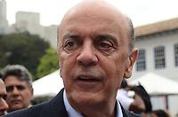 SAO PAULO, 24 DE JULHO DE 2012 - ELEICOES 2012 SERRA - Candidato Jose Serra (PSDB) em caminhada pelas ruas do centro, proximo ao patio do colegio, no inicio da tarde desta terca feira, com o Governador Geraldo Alckmin e o Deputado Federal Orlando Morando. FOTO: ALEXANDRE MOREIRA - BRAZIL PHOTO PRESS