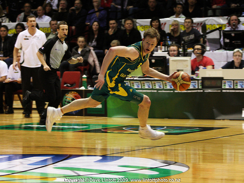 Boomers guard Brad Newley breaks from an intercept during the International basketball match between the NZ Tall Blacks and Australian Boomers at TSB Bank Arena, Wellington, New Zealand on 25 August 2009. Photo: Dave Lintott / lintottphoto.co.nz