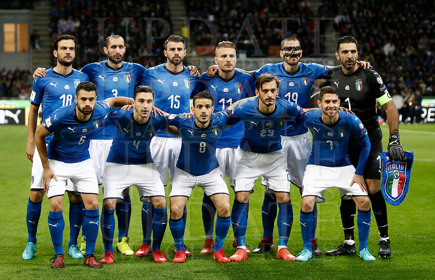 Soccer Football - 2018 World Cup Qualifications - Europe - Italy vs Sweden - San Siro, Milan, Italy - November 13, 2017 <br /> Italy's team pose for the pre match photograph prior to the start of the FIFA World Cup 2018 qualification football match between Italy and Sweden at the San Siro Stadium in Milan on November 13, 2017.<br /> UPDATE IMAGES PRESS/Isabella Bonotto