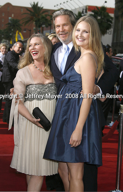 "Susan Bridges, actor Jeff Bridges and Isabelle Bridges (L-R) arrive to the ""Iron Man"" premiere at Grauman's Chinese Theatre on April 30, 2008 in Hollywood, California."