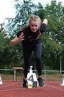 Meret Joeris (USC Mainz) beim Start zum 100m Lauf - Moerfelden-Walldorf 11.07.2020: Sportfest der LG Moerfelden-Walldorf