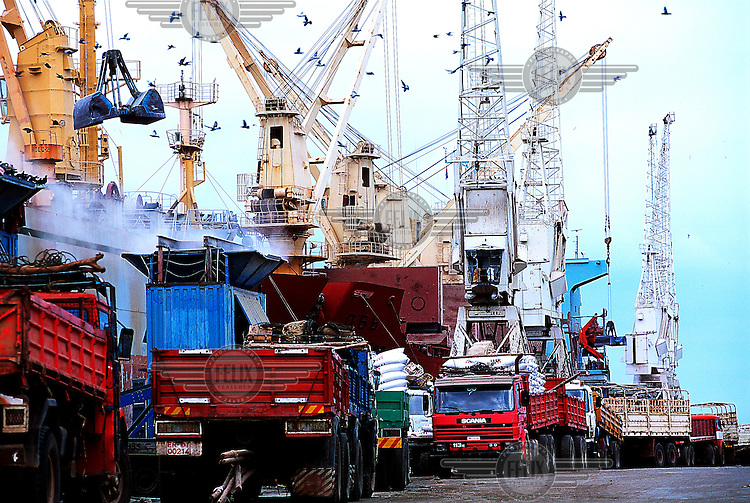 Eritrea, Massawa, 26.12.2000.Ships unloading cargo in the harbour..©Stefan Boness/Panos Pictures