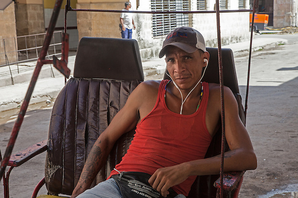 Bicycle taxi driver, Centro Habana
