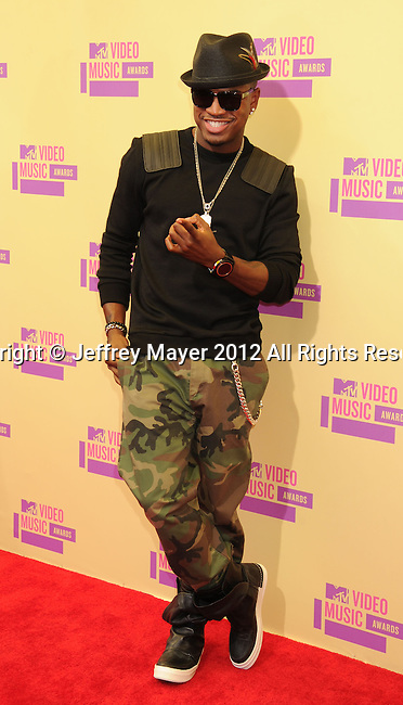 LOS ANGELES, CA - SEPTEMBER 06: Ne-Yo arrives at the 2012 MTV Video Music Awards at Staples Center on September 6, 2012 in Los Angeles, California.