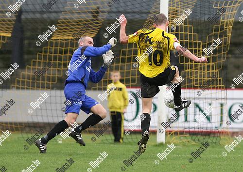 2010-03-28 / Voetbal / seizoen 2009-2010 / Berchem Sport - Oosterzonen / Thierry Flies kan hier net niet scoren voor Berchem..Foto: Mpics