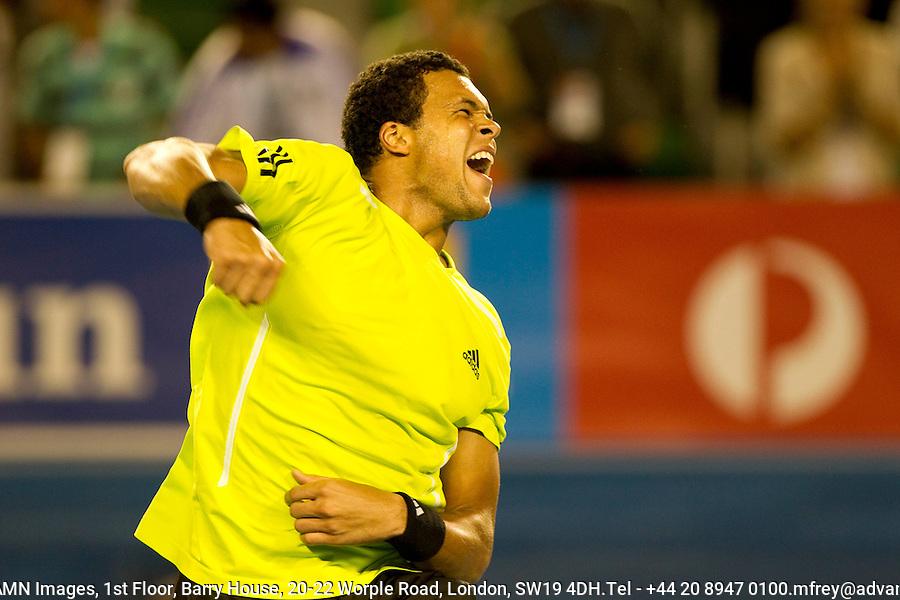 Jo-Wilfried Tsonga (FRA) (10) against Novak Djokovic (SRB) (3) in the Quarter Finals of the Mens Singles. Tsonga beat Djokovic 7-6 6-7 1-6 6-3 6-1..International Tennis - Australian Open Tennis -  Wednesday 27th  Jan 2010 - Melbourne Park - Melbourne - Australia ..© Frey - AMN Images, 1st Floor, Barry House, 20-22 Worple Road, London, SW19 4DH.Tel - +44 20 8947 0100.mfrey@advantagemedianet.com