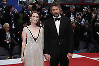 VENICE, ITALY - September 2nd: Julianne Moore and Bart Freundlich attend the red carpet during 74th Venice Film Festival at Palazzo Del Cinema on September 2nd,, 2017 in Venice, Italy. (Mark Cape/insidefoto)