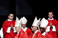 Papa Francesco (c) arriva in Piazza San Pietro per celebrare la Santa Messa della Solennit&agrave; dei Santi Pietro e Paolo, Citta' del Vaticano, 29 giugno, 2017.<br /> Pope Francis (c) arrives to celebrate the mass for the imposition of the Pallium upon the new metropolitan archbishops and the solemnity of Saints Peter and Paul in St. Peter's Square at the Vatican, on June 29, 2017.<br /> UPDATE IMAGES PRESS/Isabella Bonotto<br /> <br /> STRICTLY ONLY FOR EDITORIAL USE