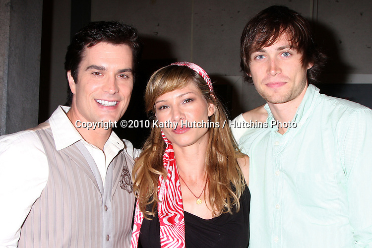 """Rick Hearst, Sarah Brown, and Zach Conroy.Guinness World Records®  presents THE BOLD AND THE BEAUTIFUL with the certification as the  """"Most Popular Daytime TV Soap - Current..Bold & Beautiful Set, Stage 31, CBS Televsion CIty.Los Angeles, CA.May 18, 2010.©2010 Kathy Hutchins / Hutchins Photo.."""