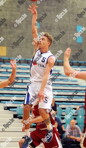 2014-10-26 / Basketbal / seizoen 2014-2015 / Pitzemburg /  Jens De Mulder<br /><br />Foto: mpics.be