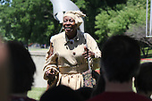 Parcicipants were transported back in time to the 1869 Battle of Nashville Saturday afternoon as the DuSable Museum hosted the 2nd annual Civil War Family Day in Washington Park.<br /> <br /> Actress, Cynthia Maddox as Harriet Tubman.