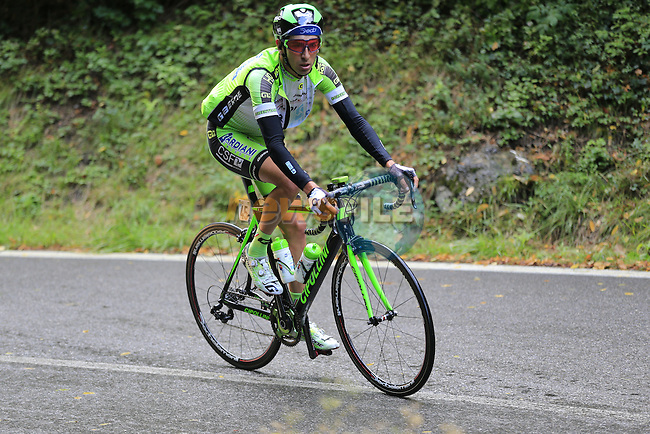 The peloton including Stefano Pirazzi (ITA) Bardiani CSF climbs Colle Gallo during the last classic of the season Il Lombardia 2015 running 245km from Bergamo to Como, Italy. 4th October 2015.<br /> Picture: Eoin Clarke | Newsfile