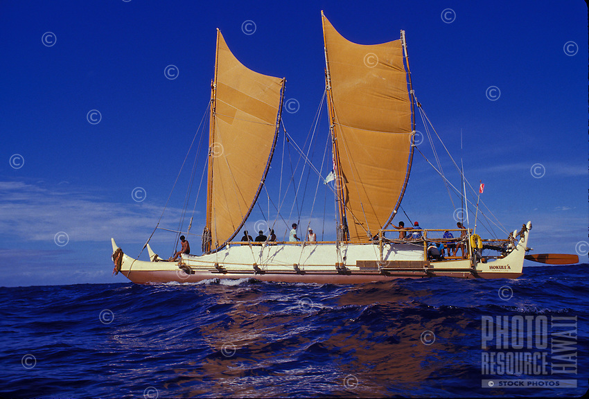 Hokulea, sailing canoe similar to those used by ancient polynesian mariners.