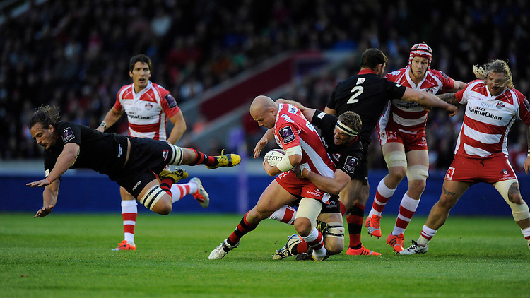 Nick Wood of Gloucester Rugby stacked by Mike Coman of Edinburgh Rugby