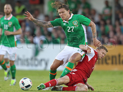 31.05.2016, Turners Cross Stadium, Cork, Ireland. International football friendly between republic of ireland and Belarus.  Jeff Hendrick of the Republic of Ireland tackled by Mikita Korzun of Belarus