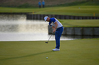 Alex Noran (Team Europe) watches his long birdie attempt on 18 during Sunday's singles of the 2018 Ryder Cup, Le Golf National, Guyancourt, France. 9/30/2018.<br /> Picture: Golffile | Ken Murray<br /> <br /> <br /> All photo usage must carry mandatory copyright credit (&copy; Golffile | Ken Murray)