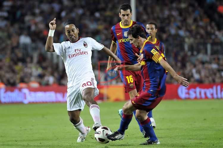 45 Trofeo Joan Gamper - FC Barcelona vs AC Milan .25th Mayl 2010, stadium Camp Nou Barcelona  (FVFotosports) Ronaldinho fighting with Lionel Messi