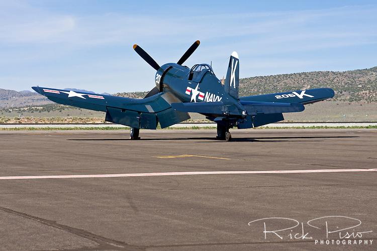 Chance-Vought F4U-4 Corsair.