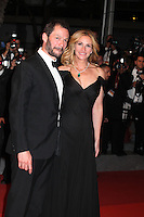 DOMINIC WEST AND JULIA ROBERTS - RED CARPET OF THE FILM 'MONEY MONSTER' AT THE 69TH FESTIVAL OF CANNES 2016