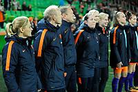 GRONINGEN -  Voetbal, Nederland - Noorwegen, Noordlease stadion, WK kwalificatie vrouwen, 24-10-2017,   Nederlandse staf met Nederland trainer Sarina Wiegman