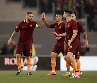 Calcio, Serie A: Roma, stadio Olimpico, 14 maggio 2017.<br /> AS Roma's Daniele De Rossi (l) celebrates after scoring with his teammates during the Italian Serie A football match between AS Roma and Juventus at Rome's Olympic stadium, May 14, 2017.<br /> UPDATE IMAGES PRESS/Isabella Bonotto