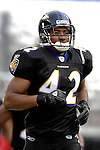 31 December 2006: Baltimore Ravens safety Gerome Sapp warms up prior to a game against the Buffalo Bills at M&T Bank Stadium in Baltimore, Maryland. The Ravens defeated the Bills 19-7. Mandatory Photo Credit: Ed Wolfstein Photo.<br />