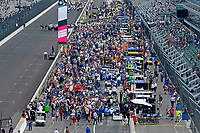 Verizon IndyCar Series<br /> Indianapolis 500 Race<br /> Indianapolis Motor Speedway, Indianapolis, IN USA<br /> Sunday 28 May 2017<br /> The cars pre-gridded in the pit area.<br /> World Copyright: F. Peirce Williams<br /> LAT Images