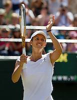 29-06-10, Tennis, England, Wimbledon,  Tsvetana Pinokova  defeats Venus Williams
