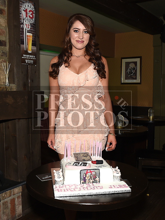 Jess Thompson celebrating her 21st birthday in Donaghy's. Photo:Colin Bell/pressphotos.ie