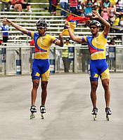 CALI - COLOMBIA - 04-08-2013: Pedro Causil (Izq.) de Colombia gana la medalla de oro en la prueba de los 500 metros mayores varones en patinaje de Velocidad en los IX Juegos Mundiales Cali, agosto 4 de 2013. (Foto: VizzorImage / Luis Ramirez / Staff). Pedro Causil (L) from Colombia (L) wins the gold medal in the competition of 500 meters senior men in Speed Skating in the IX World Games Cali, August 4 2013. (Photo: VizzorImage / Luis Ramirez / Staff).