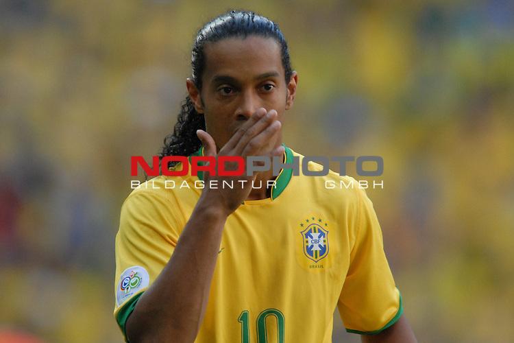 FIFA WM 2006 -  Gruppe F Vorrunde ( Group F )<br /> Play    #27 (18-Jun) - Brazil vs Australia<br /> <br /> Ronaldinho (BRA)<br /> <br /> Foto &copy; nordphoto