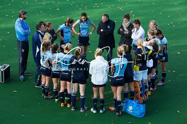 BLOEMENDAAL-Hockey-  Het team van Laren tijdens de hoofdklasse competitiewedstrijd tussen de vrouwen van Bloemendaal en Laren (1-5). COPYRIGHT KOEN SUYK